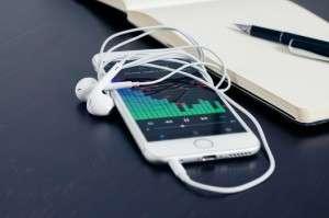 mobile-phone-iphone-music-38295-medium